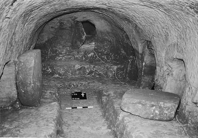3. The burial chamber, looking north.
