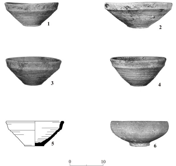 8. Pottery, the Mamluk period.