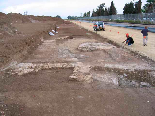 1. General view of the excavation, looking north.