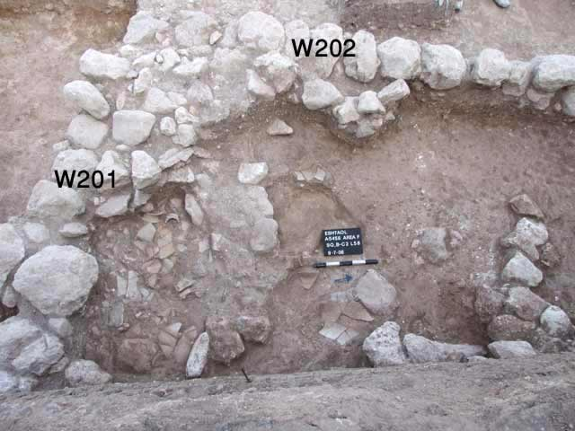 5. Surface with crushed ceramics (L58).